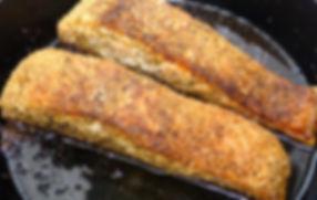 salmón en costra de especias, filete de salmón, costra de especias, especias, platillo principal, pescado al horno