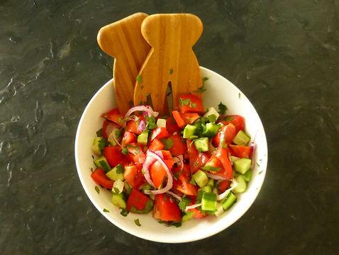 ensalada de jitomates y pepinos