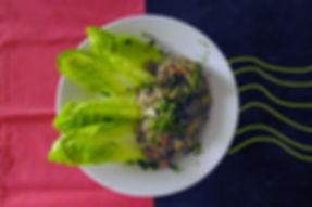 ensalada de lentejas con verduras para una comida vegetariana