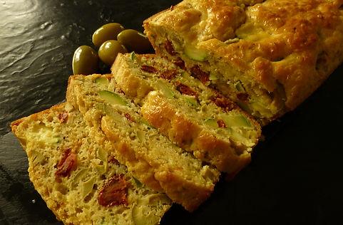 pan de aceitunas y verduras, cake salado, pastel de verduras, pastel salado,