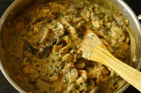 vol au vent de pollo, salsa de pollo, pollo en salsa, pollo, pollo con champiñones, plato fuerte, salsa para pasta