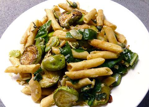 ensalada de pasta habas y calabacitas, ensalada de pasta con verduras, ensalada de pastas, ensalada vegetariana, pasta fria, comida vegetariana, pasta con vegetales, vegetales cocidos, ensalada de vegetales salteados
