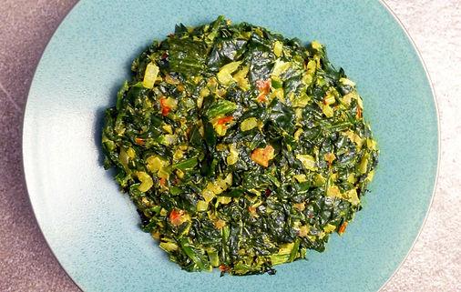 espinacas con garam masala, espinacas estilo India, espinacas con verduras, verduras, especias, espinacas con crema, platillo vegetariano
