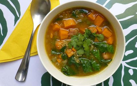 sopa de quinoa espinaca camote, sopa, quinoa, espinac, camote, comida vegetariana, sopa de verdurs y granos