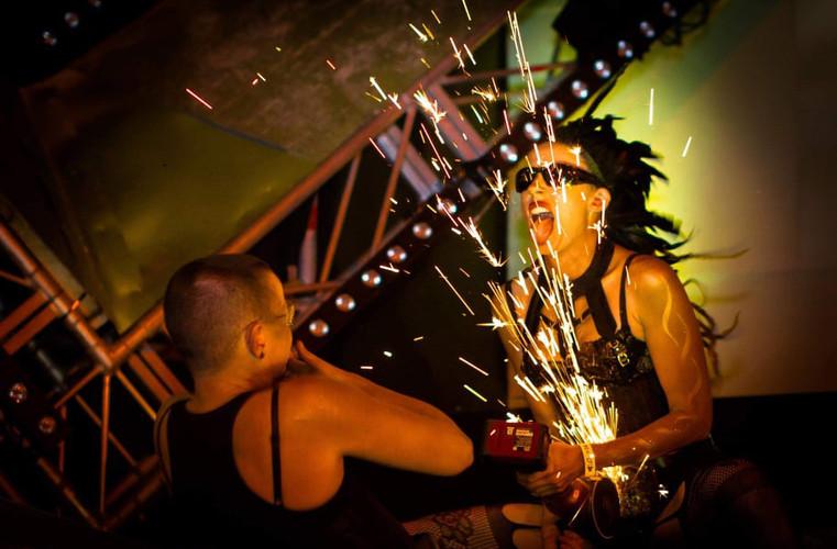 Grinder-performers.jpg