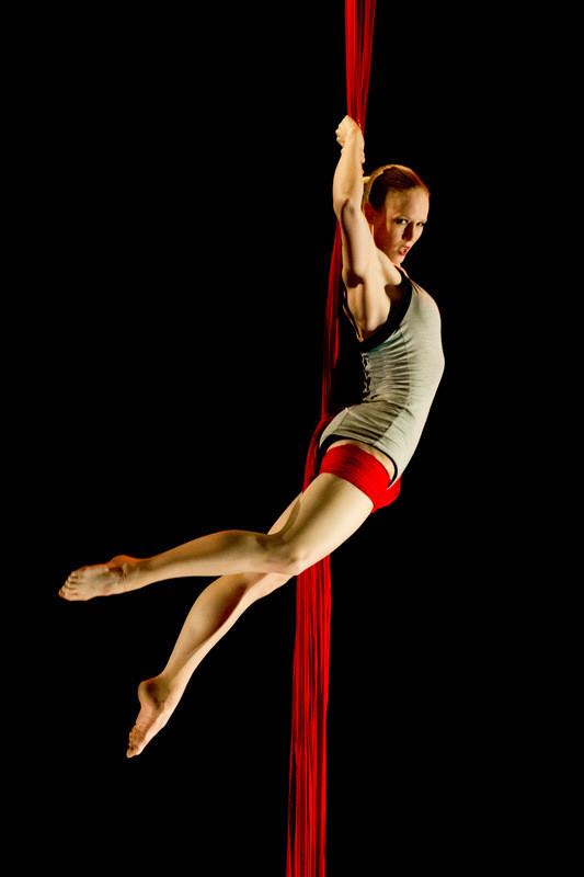 Silks circus melbourne.jpg