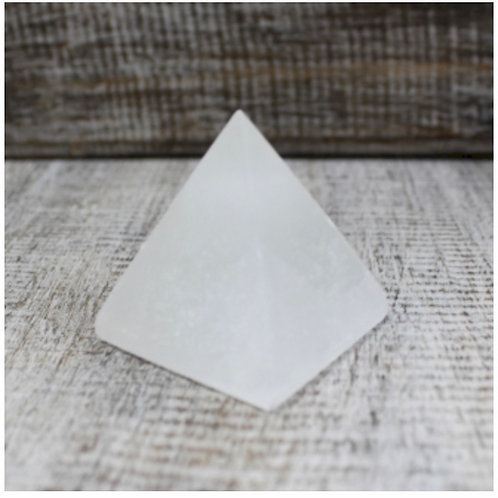 Selenite Pyramid 5cm