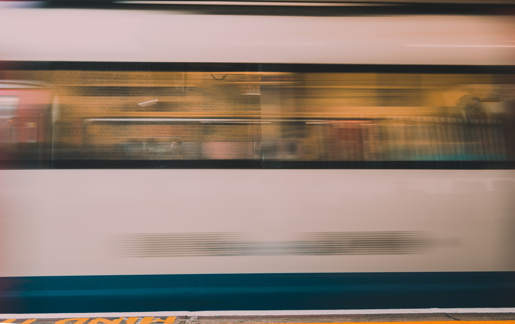 Tube Blur 2.jpg