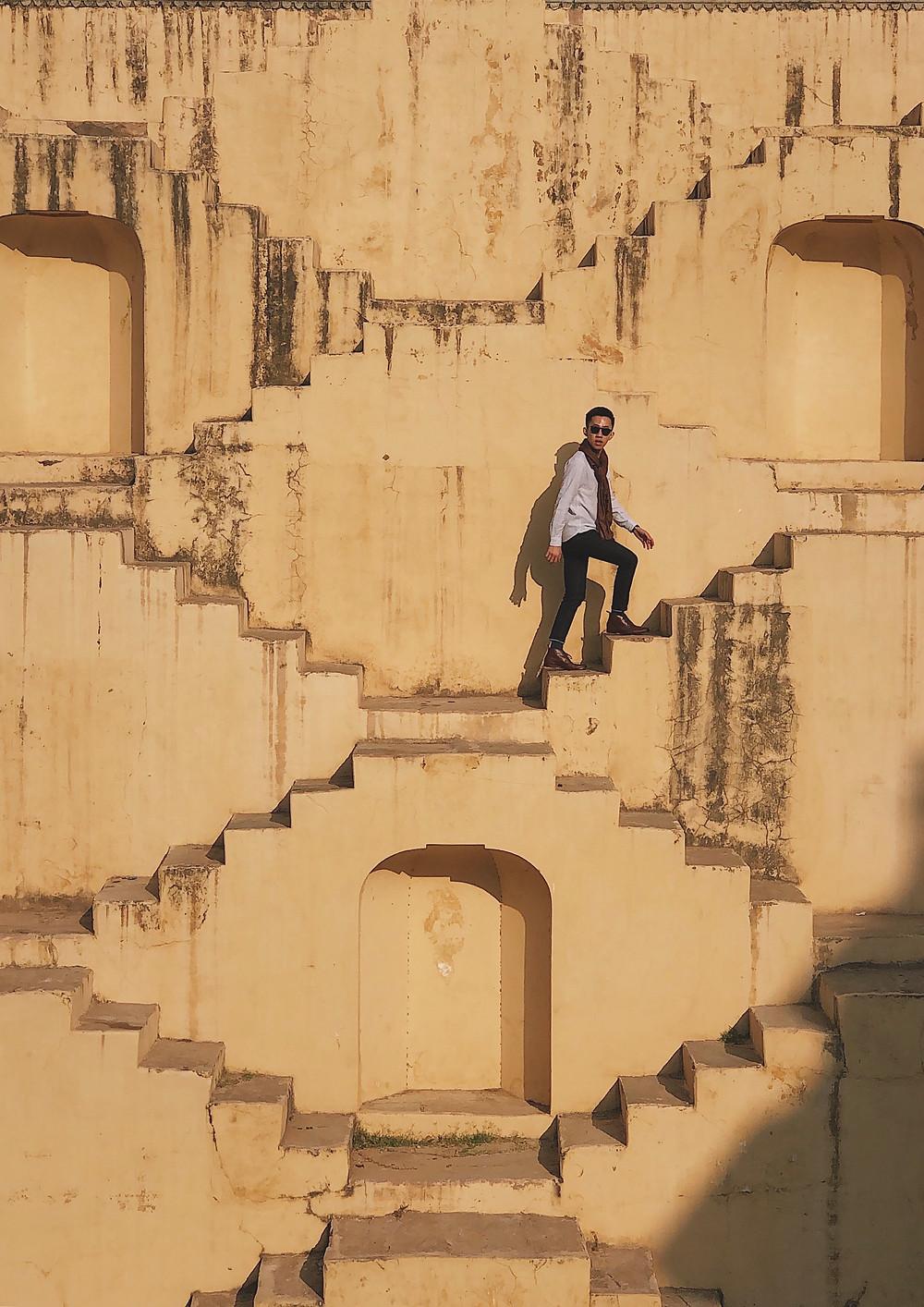 Panna Meena Ka Kund is a stepwell in Jaipur, Rajasthan, India