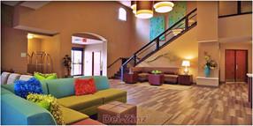 Holiday-Inn-lobby-decor.