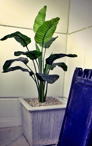 Autonation-artificial-banana-plant