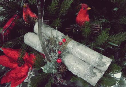 Christmas-yule-log-and-cardinals