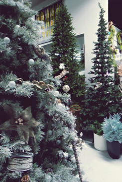 artificial-Christmas-trees-assorted-size