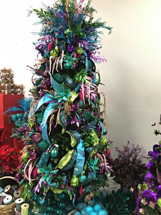 mardi gras tree with d stevens ribbon.jp