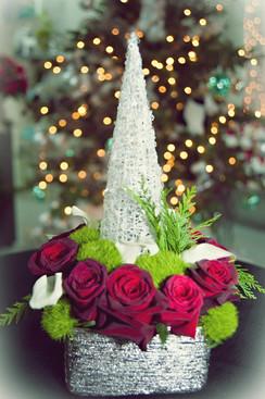 artificial-Christmas-rose-arrangement