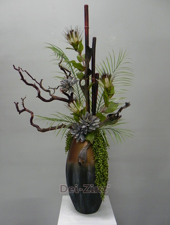 elegant contemporary mixed arrangement