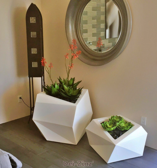 artificial-succulents-in-contemporary-home-bedroom