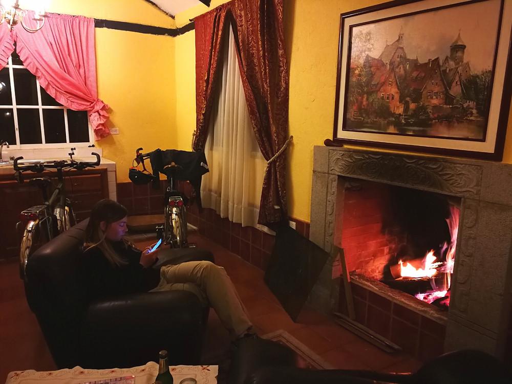Au coin du feu à l'hôtel Terra Nobles, Equateur