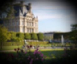 Re-découvrez le jardin des Tuileries, véritable musée à ciel ouvert et aidez un milliardaire russe à boucler le dossier de son architecte en résolvant des énigmes. L'aventure démarre à l'Arc de Triomphe en face du musée du Louvre.