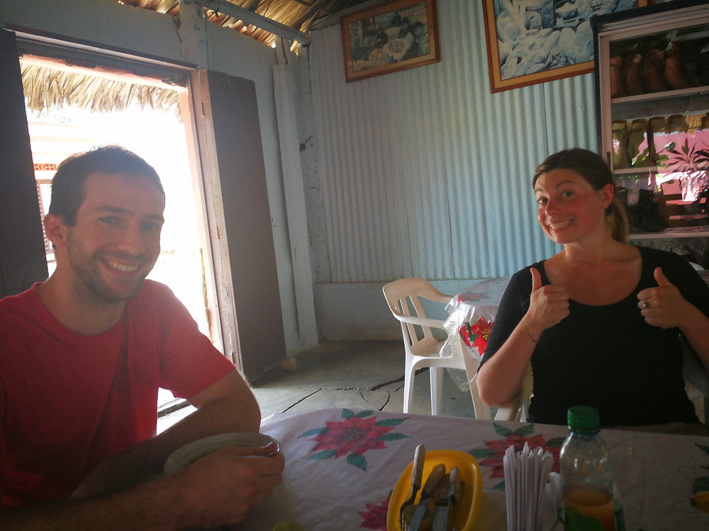 Déjeuner avec Sam à San Juan de Nepomuceno