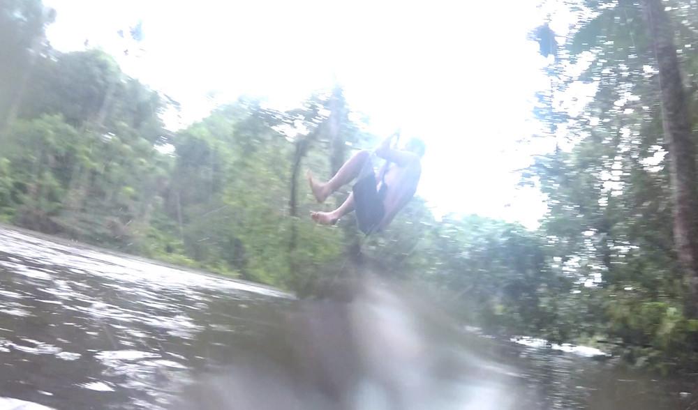 Saut à la corde, Cuyabeno, Amazonie, Equateur