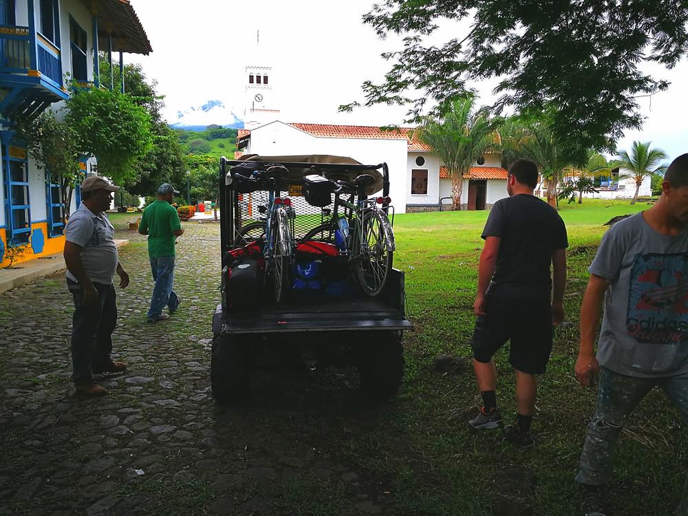Vélos à l'arrière, Cauca Viejo, Colombie