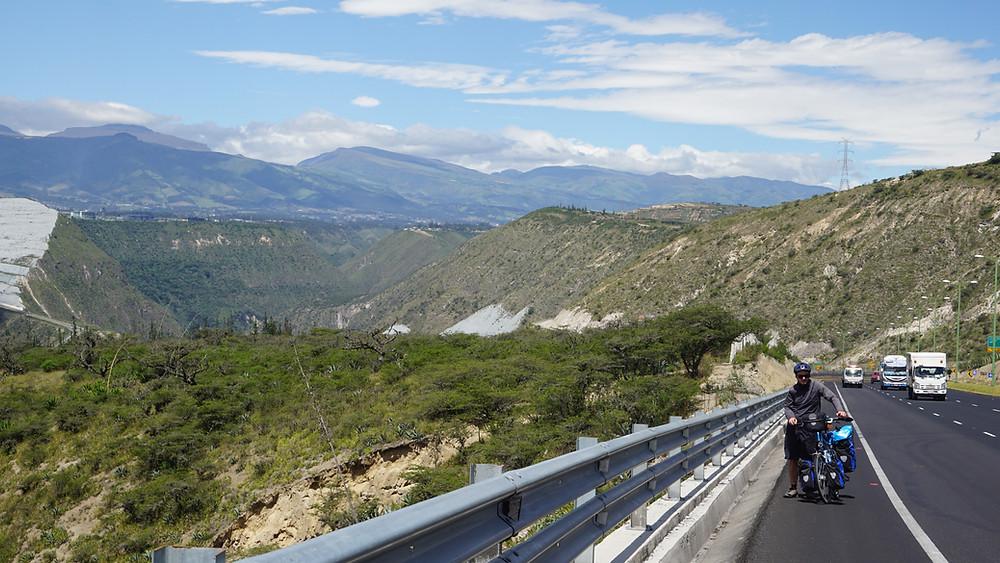 Montée vers Quito à vélo ou plutôt à pieds