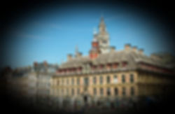 Coup d'oeil permet de découvrir l'application Foxie à travers un parcours faisant appel à votre sens de l'observation. Découvrez des anecdotes sous la forme d'énigmes sur la Grand'Place de Lille.