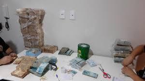 PF cumpre mais de 400 mandados de prisão contra facção criminosa em 19 Estados