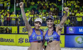 Duda e Ágatha são campeãs de torneio de vôlei de praia na Holanda