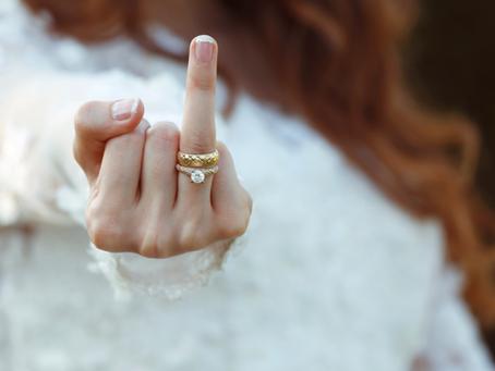Symbolika pierścionków na poszczególnych palcach dłoni