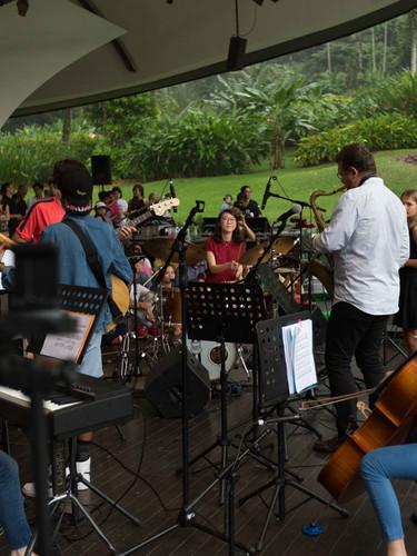 Student Graduation Performance at Singapore Botanic Gardens