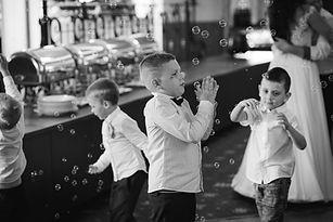 detské piesne a bublinky na svadbe