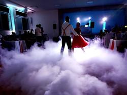profesionálny svadobný dj v Žiline a osvetlenie tanečného parketu pri prvom novomanželskom tanci