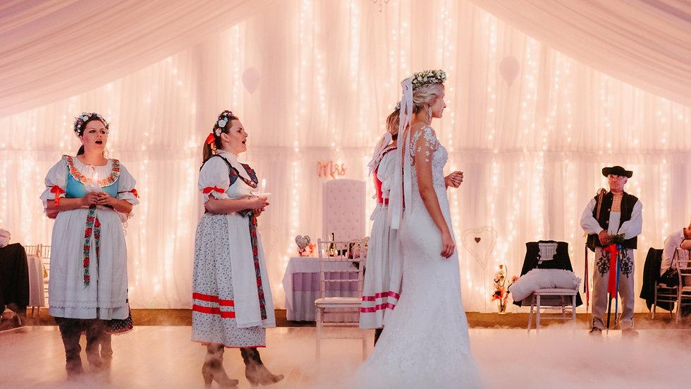 čepčenie nevesty a slovenské tradície na svadbe o polnoci v romantickom stane v martine