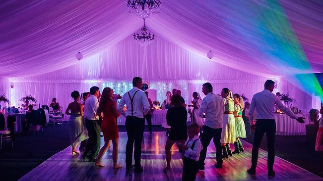 cenová ponuka na svadbu s najlepším svadobným DJ
