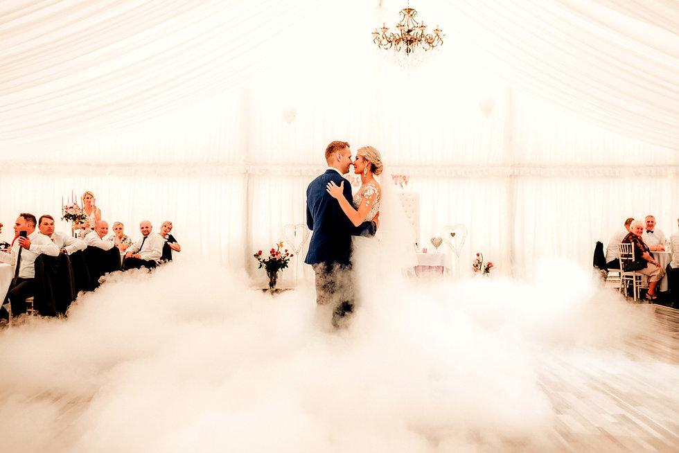 prvý novomanželský tanec a svadba v stane Hotel Gader pri Martine