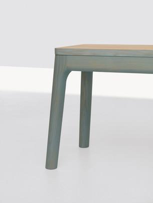MATHIAS-HAHN-E8-bench-web.jpg