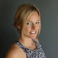 Lyndsie Headshot.jpg