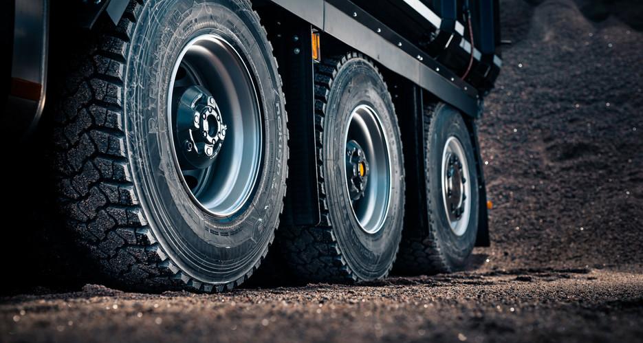 nokian-truck-tire-header.jpg