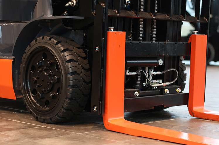 ForkliftCarriage.jpg