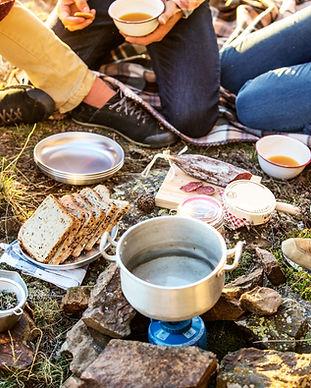 キャンプ場での朝食
