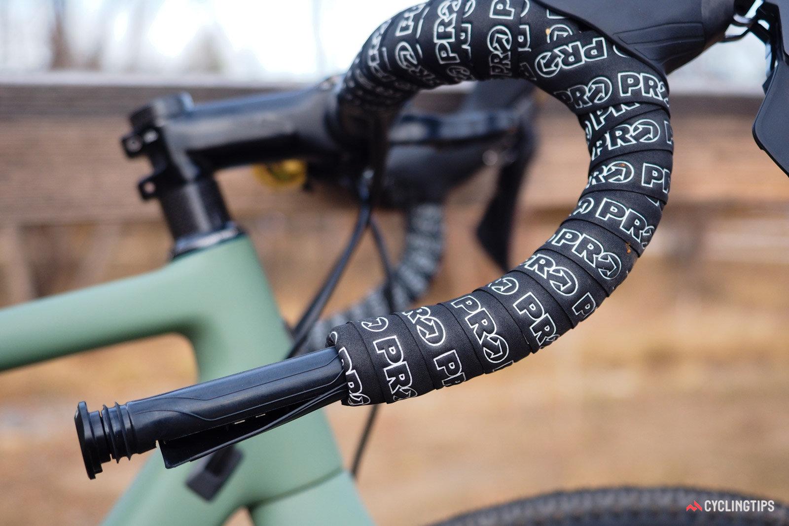 tappi manubrio multitool e kit riparazione tubeless bar kit one Wolftooth bici a