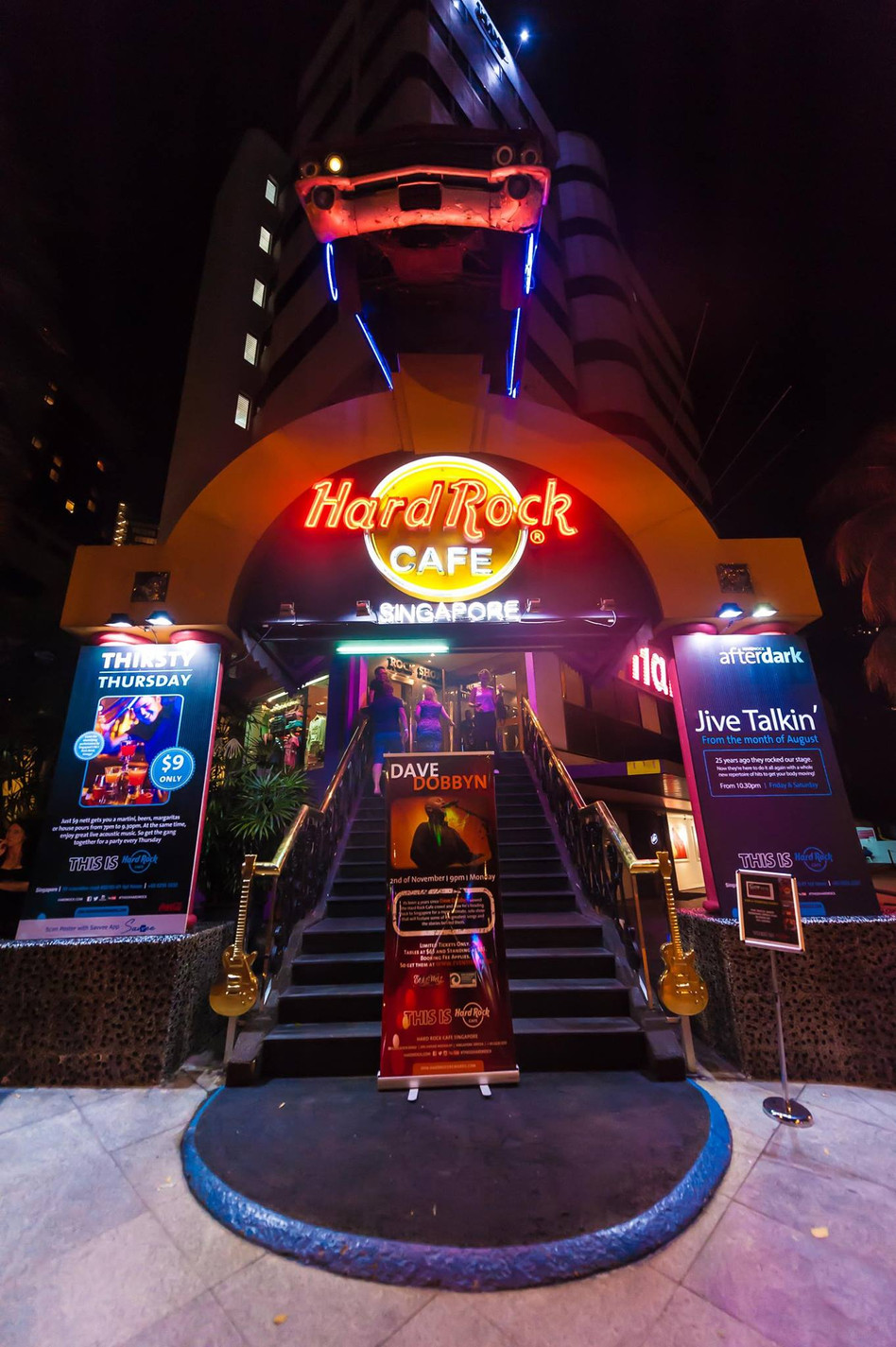 Hard Rock Cafe celebrates their 25th Anniversary with a Kickass Free Party