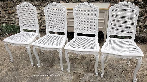 chaise cannée ancienne, patinée blanc lin, lot de 6, style Régence, en noyer massif.