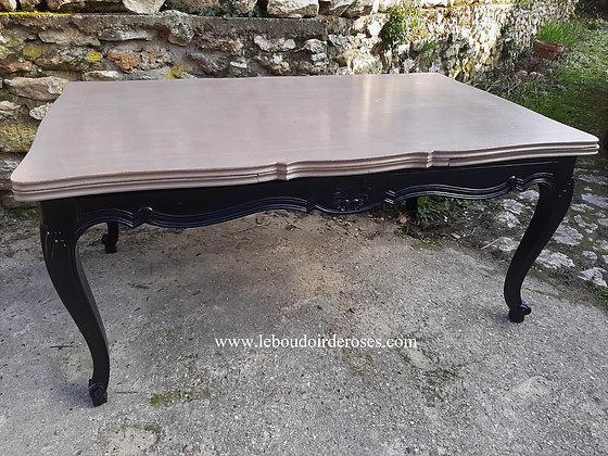 Table rectangulaire ancienne patinée noire et taupe vieilli style Louis XV
