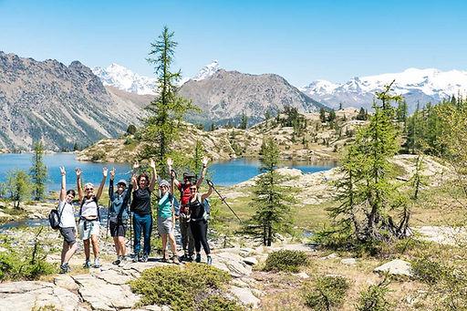 escursione di gruppo nel parco del mont avic