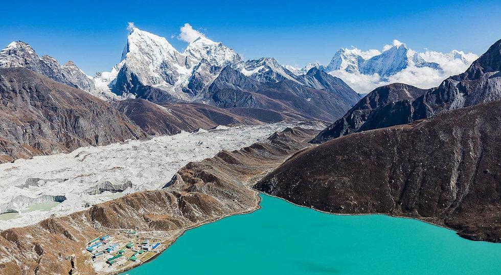 Campo Base Everest e i tre passi.