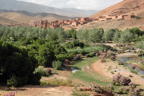 Aït_Charbi_Qasbah_in_the_Dadès_Gorge-mau