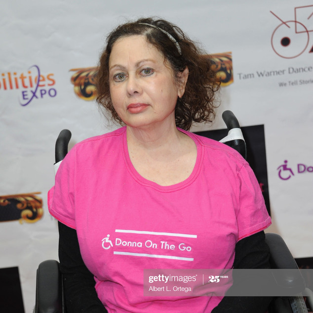 donna-russo-attends-the-abilities-expo-f